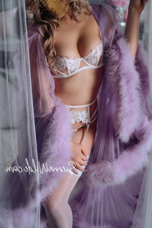 Vickie escort girl in Franklin New Jersey