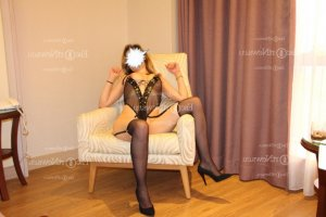 Myriana escort girl