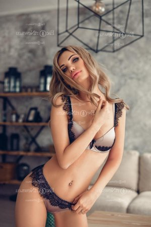 Anna-bella escort girl