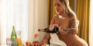 Oryanna escort girl in Camano
